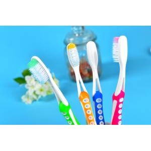 Зубная щетка с различными видами щетины  1 шт №332