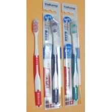 Зубная щетка с мягкой щетиной 1 шт №1102